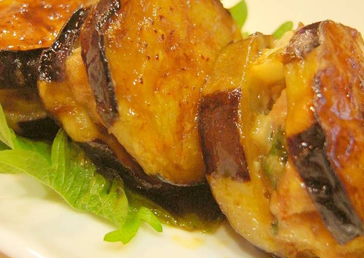 How to Make Ultimate Sweet and Salty Panfried Eggplant Slices Stuffed with Ground Pork