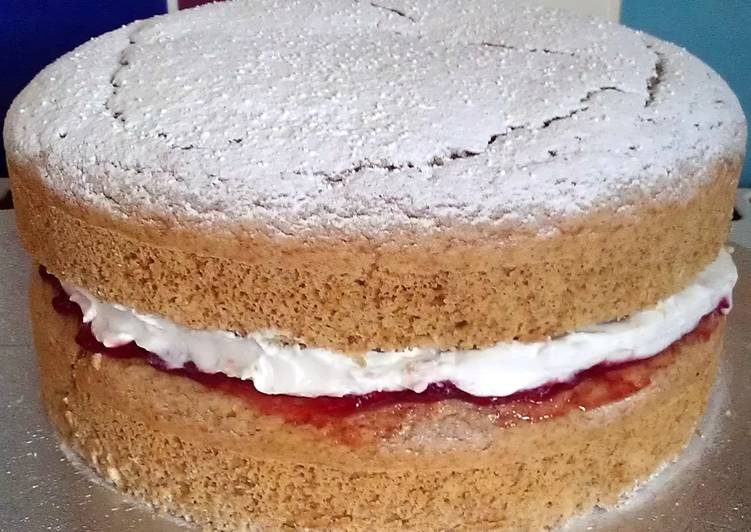 Vickys Coconut Flour Victoria Sandwich Cake, GF DF EF SF NF