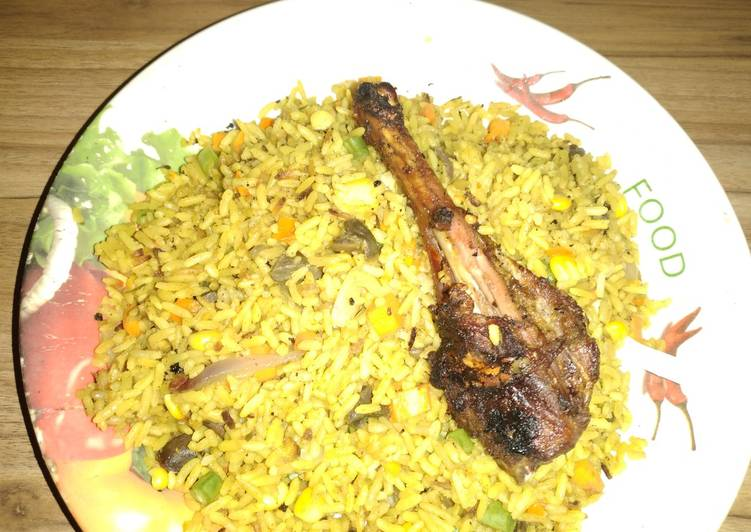 Fried rice with gezzard and chicken