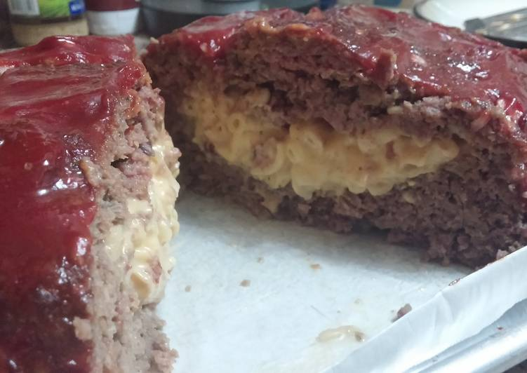 Recipe: Delicious Mac & Cheese Stuffed Meatloaf