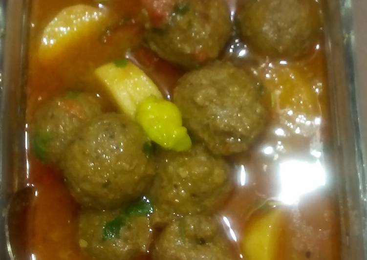 Tempting Meat Balls by Nancy