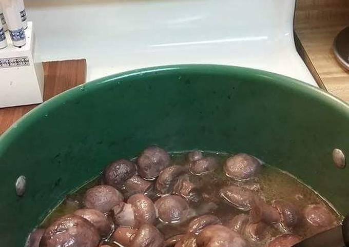 Garlic Burgundy Mushrooms