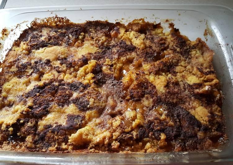 Spiced Apple and Cinnamon Dump Cake