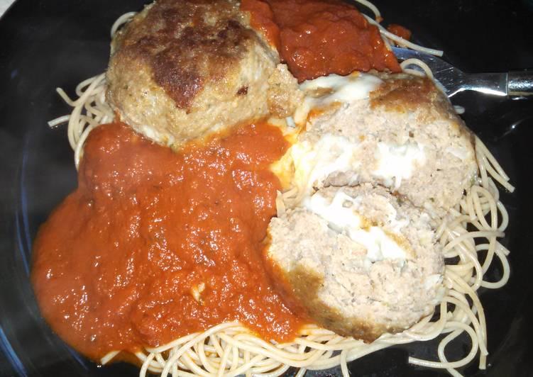 Mozzarella stuffed turkey meatballs