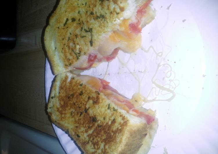 Easiest Way to Cook Delicious 4 cheese grilled cheese