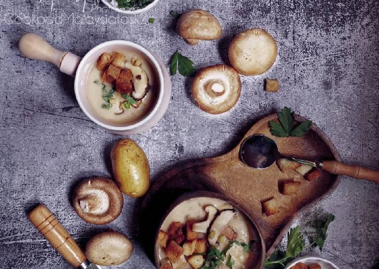 Creamy Mushroom Potato soup - resepipouler.com
