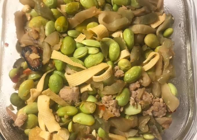 Pan fry ground pork with Bean curd sheet, edamame and preserved mustard stem