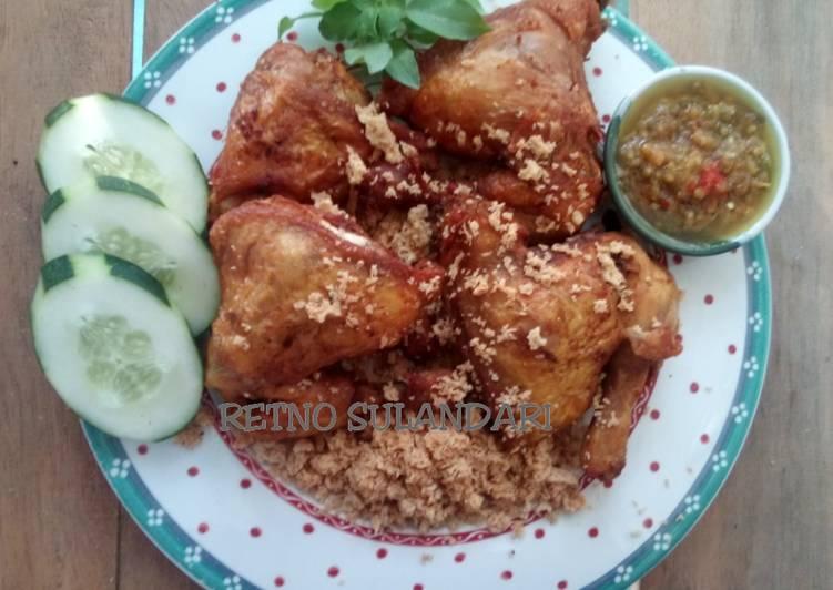 40a* Ayam goreng (ala) mbok berek