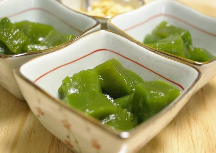 Eat These 14 Superfoods to Go Green for Optimal Health Katakuriko Matcha Warabi Mochi