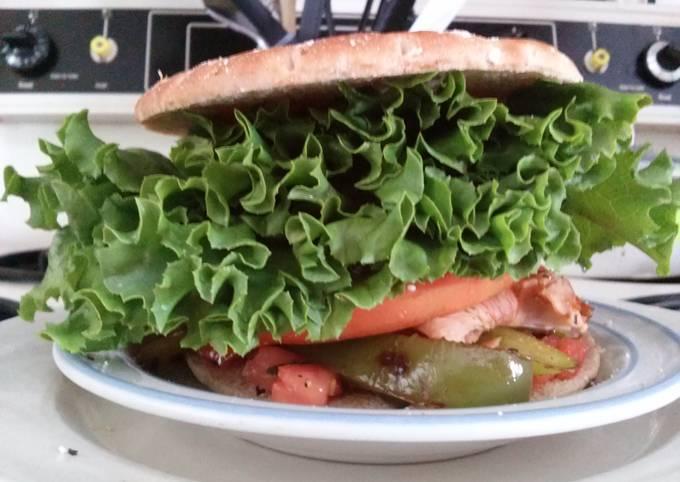 Dean's Crunchy Santa Fe Turkey Deli Sandwich
