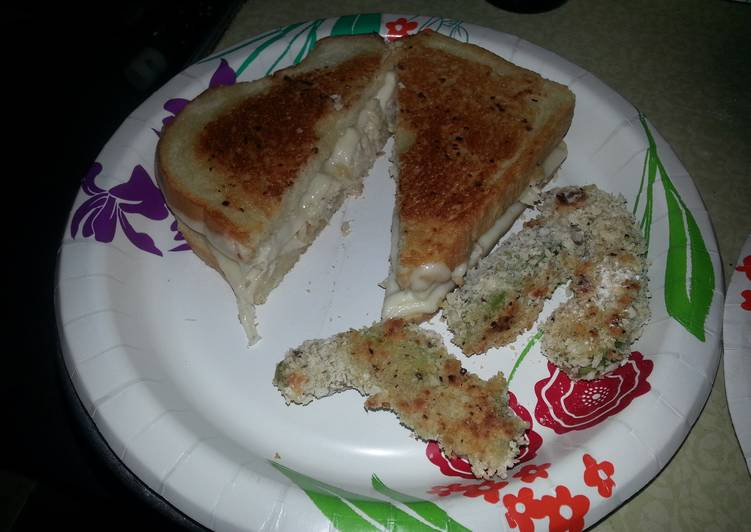 Recipe: Tasty Grilled turkey and havarti sandwiches with garlic mayo