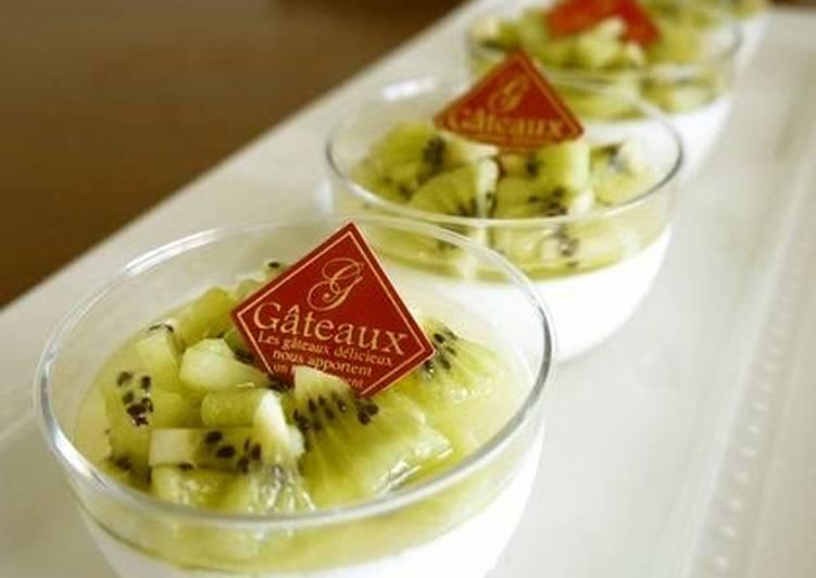 Refreshing Bavarian Cream With Kiwifruit