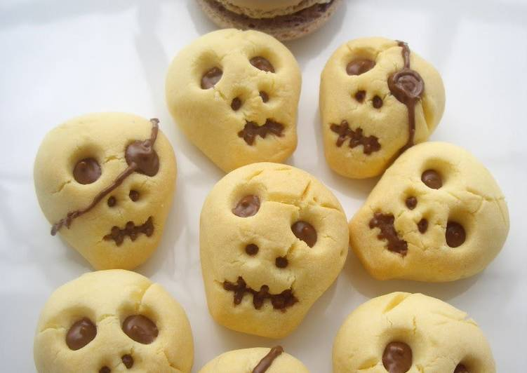 Easiest Way to Prepare Appetizing 3D Skull Cookies for Halloween