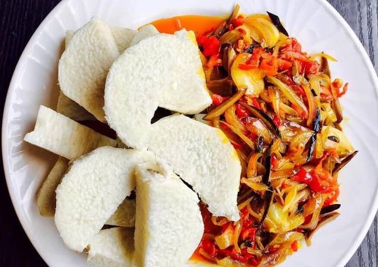25 Minute Step-by-Step Guide to Make Speedy Boiled yam and sauce