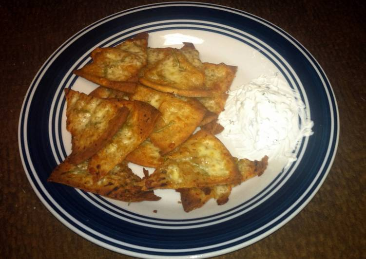 Cheesy Pita Chips 🍪🌿