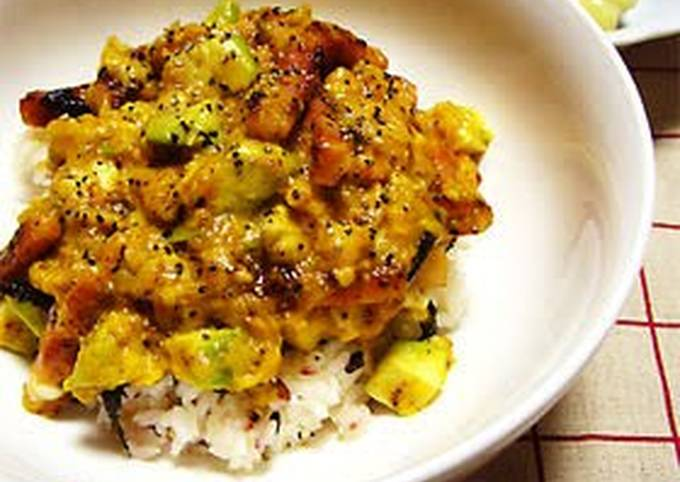 Easy! Rich Avocado Carbonara Rice Bowl ★