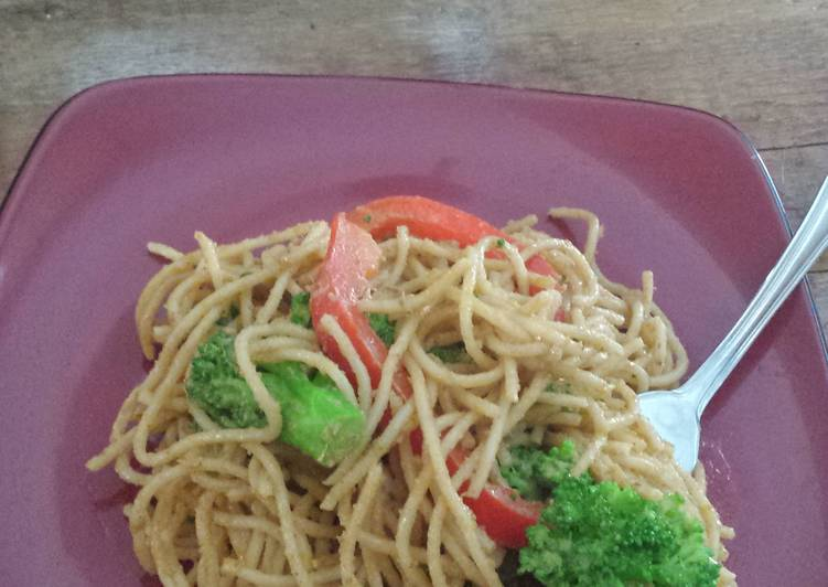Simple Way to Make Super Quick Homemade Thai Peanut Curry Noodles
