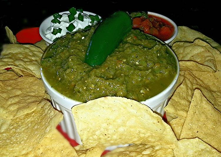 Recipe of Speedy Mike's Chile Verde Salsa & Chips