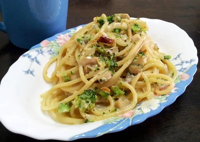 Carbonara shrimp spaghetti