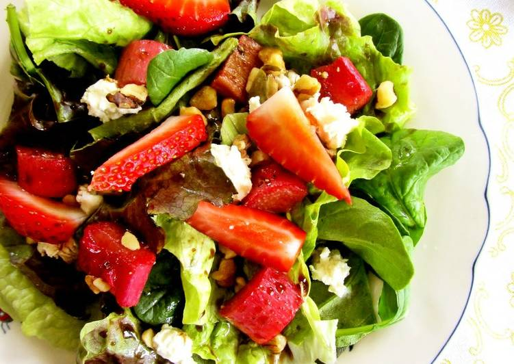 Rhubarb, Strawberry and Walnut Salad with Balsamic Vinaigrette