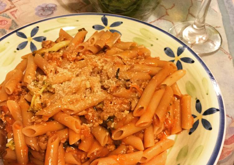 Recipe: Tasty Meat Sauce With Rice Pasta