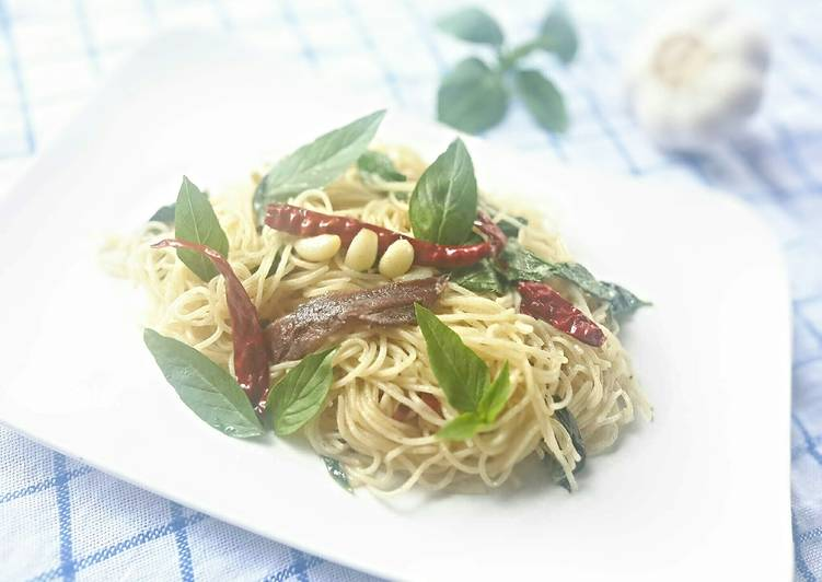 Easy Homemade Anchovies and Basils Pasta Recipe