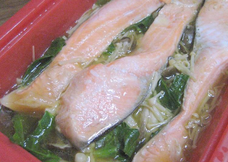 Easy Microwave-Steamed Salmon and Mushrooms in a Silicone Steamer