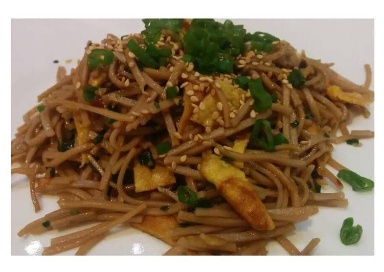 Soba - Oriental noodles with scallions