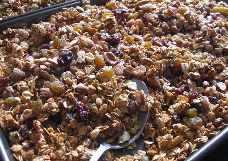 My Granola (Oven-baked Muesli)