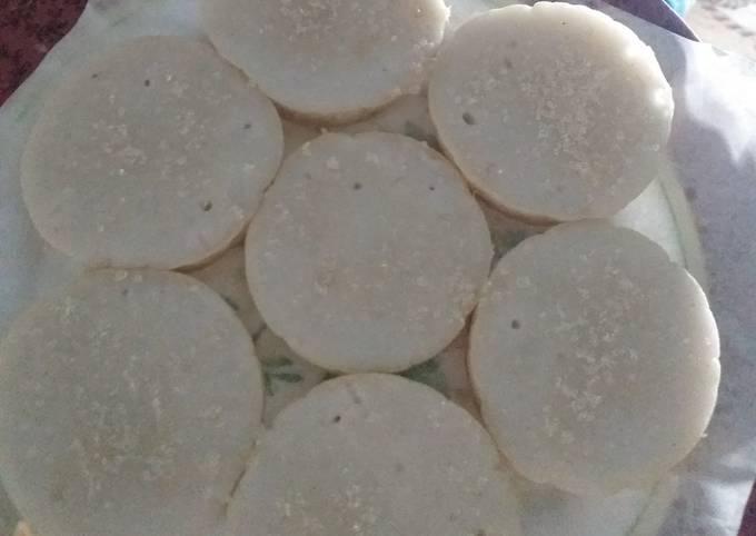 Bagaimana Menyiapkan Serabi bantol/kue pancong Anti Gagal