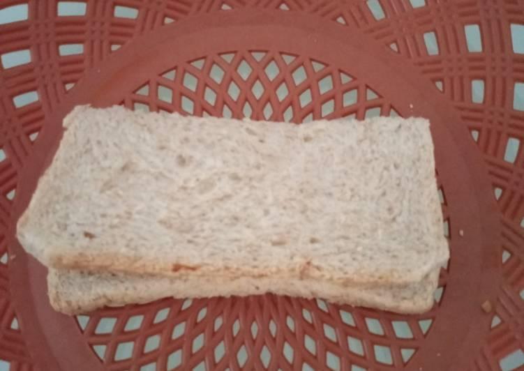 Roti Gandum sendirian Isi PutLor (Putih Telor)