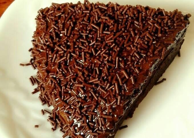 Chocolatey cake with chocopeanut