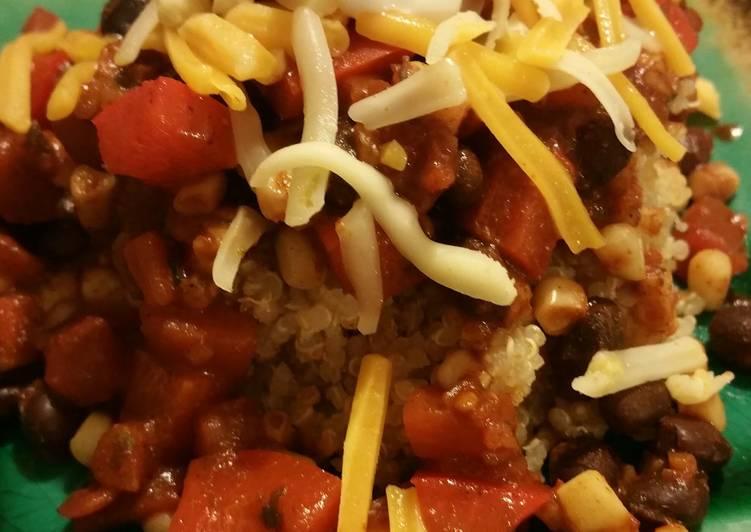 Spicy veggie & quinoa salad