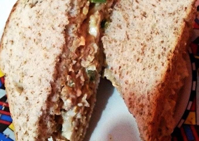 Egg and tuna sandwich