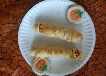 How to Make Yummy Mummy dogs