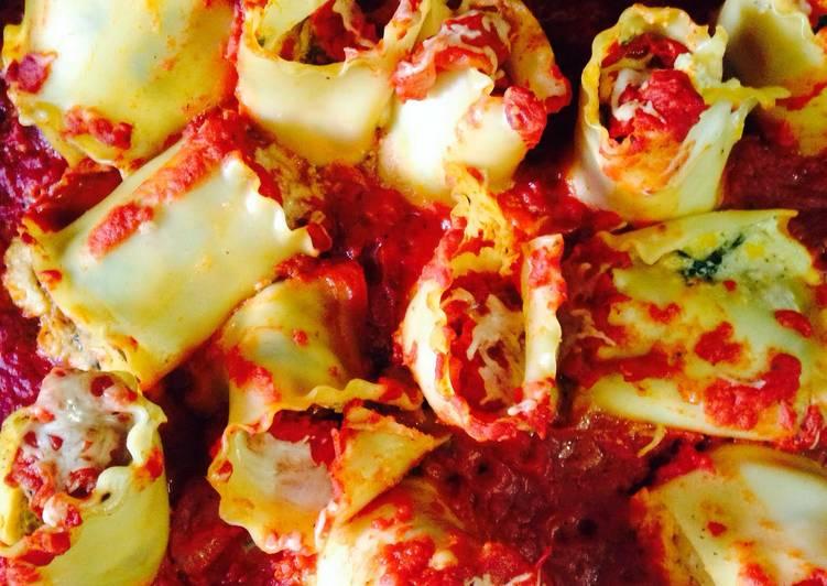 Recipe: Yummy Italian Sausage & Spinach Lasagne Rolls