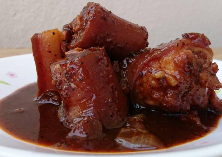 Recipe: Appetizing Black Pepper Pork With Onion Stew