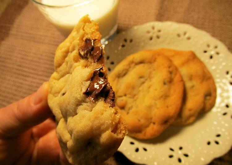Moist and Chewy Chocolate Chip Cookie – Twisted Cookbooks
