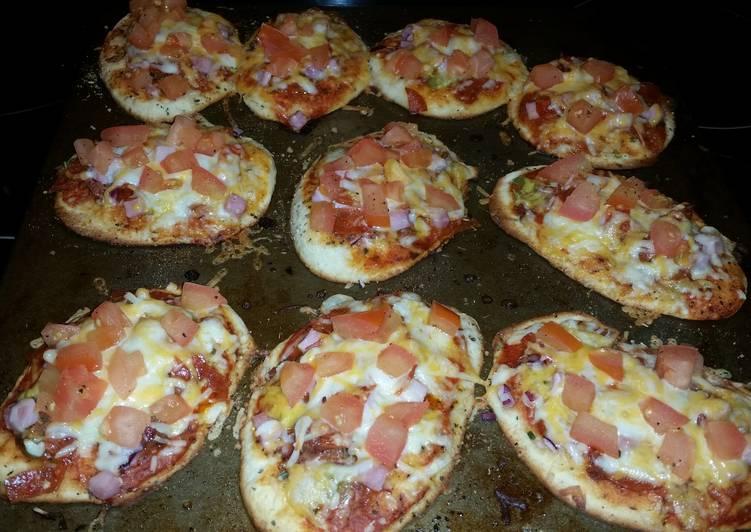 Jens famous Lil pizzas