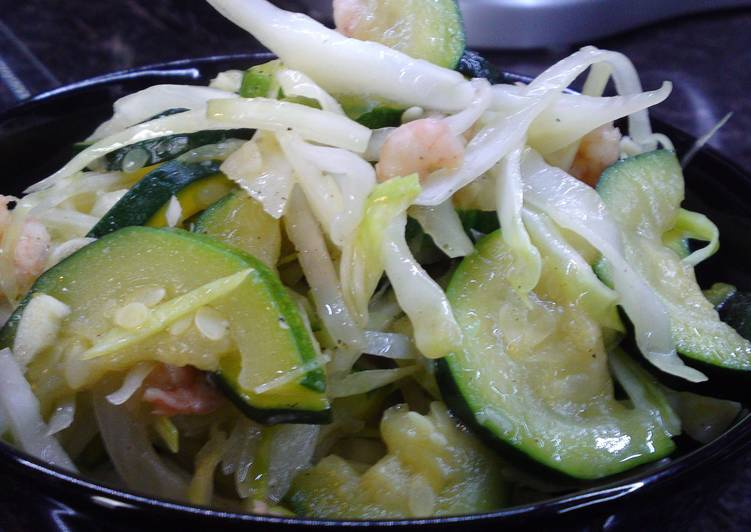 Sauteed Zucchini-Cabbage with Shrimps