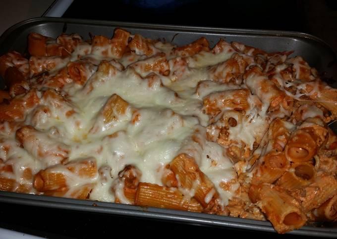 Cheesy baked ziti