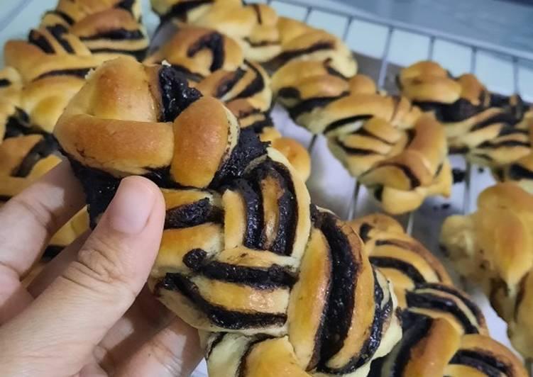 Chocolate Brionche Bread