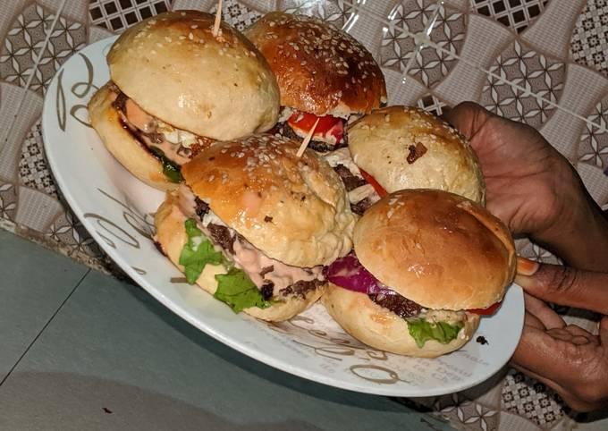 Recipe: Tasty Home made burger