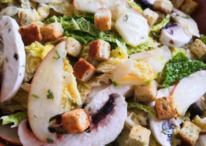 Salade de chou frisé cru, champignons de Paris, courgette, pomme