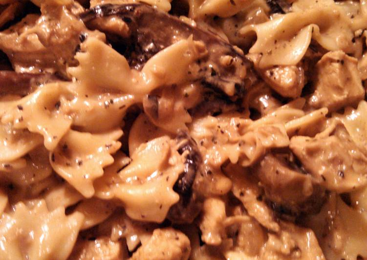 Recipe of Favorite creamy chicken and mushroom pasta