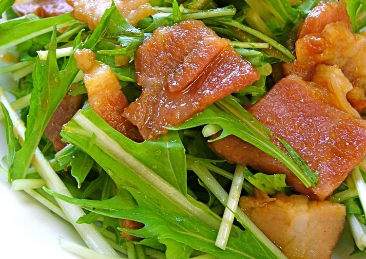 Steps to Make Ultimate Easy with Yakiniku Sauce: Mizuna and Bacon Salad