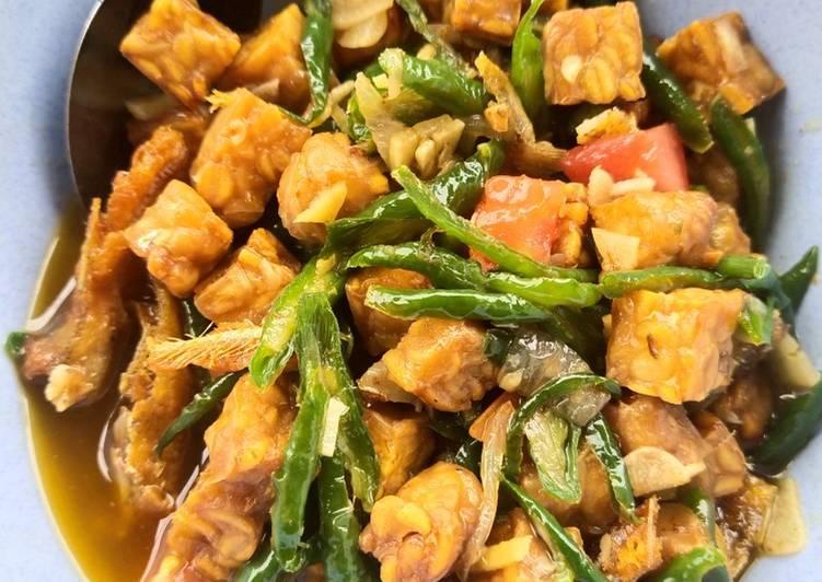 Resep Tumis tempe dan ikan teri basah cabe ijo (Bisa utk menu diet)