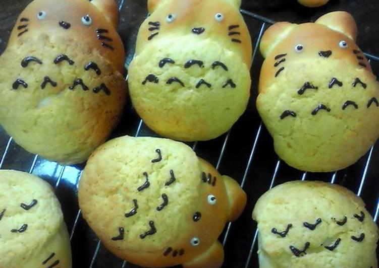 Totoro Cream-filled Melon Buns