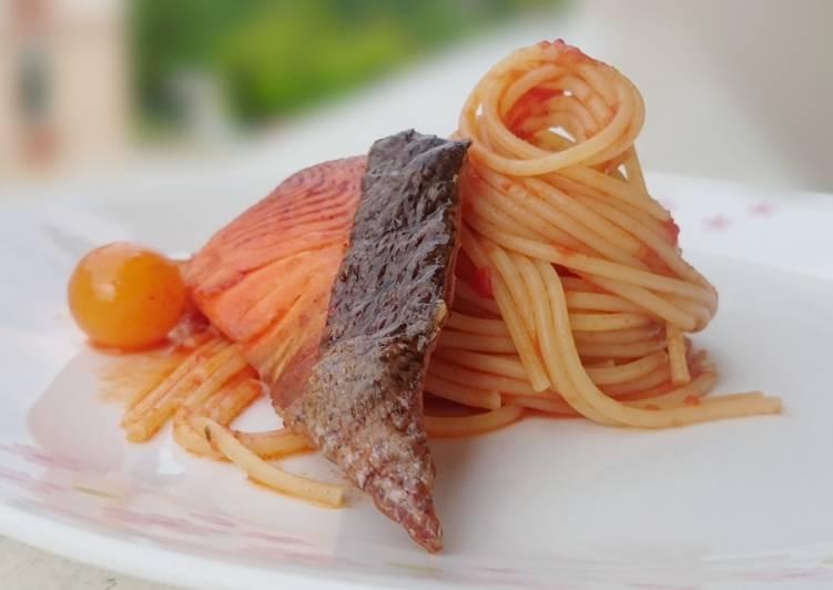 Tomato Spaghetti With Salmon