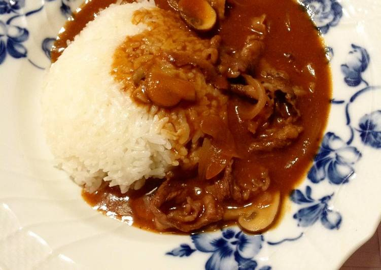 How to Prepare Delicious Hayashi Rice (Hashed Beef Stew on Rice) for Adults